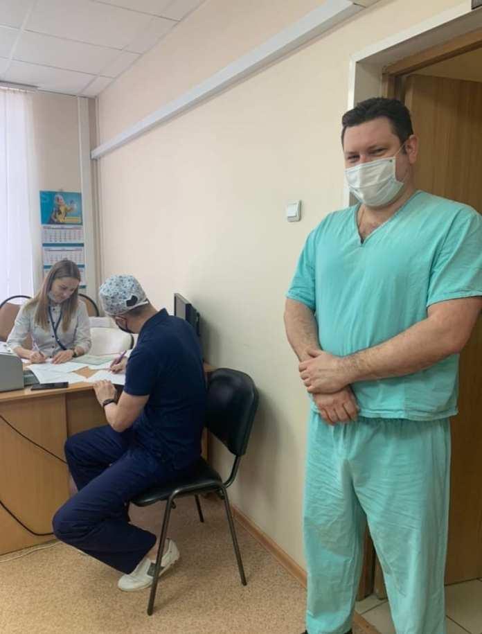 Главврач Рязанской ОКБ сделал прививку от коронавируса