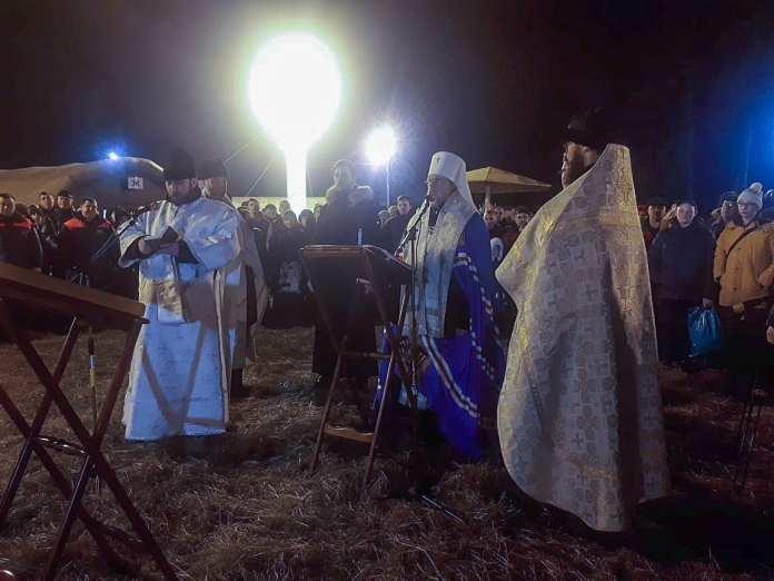 В крещенскую ночь митрополит Марк освятит воду в Ореховом озере