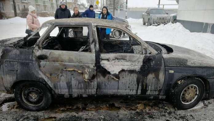 В Рязанской области сгорела машина