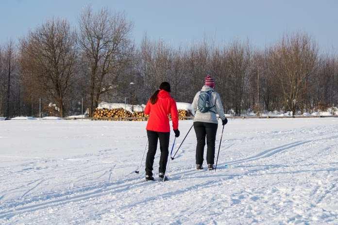 Бросай кутить, тебя ждут лыжи! Как удачно подобрать один из главных атрибутов зимних прогулок