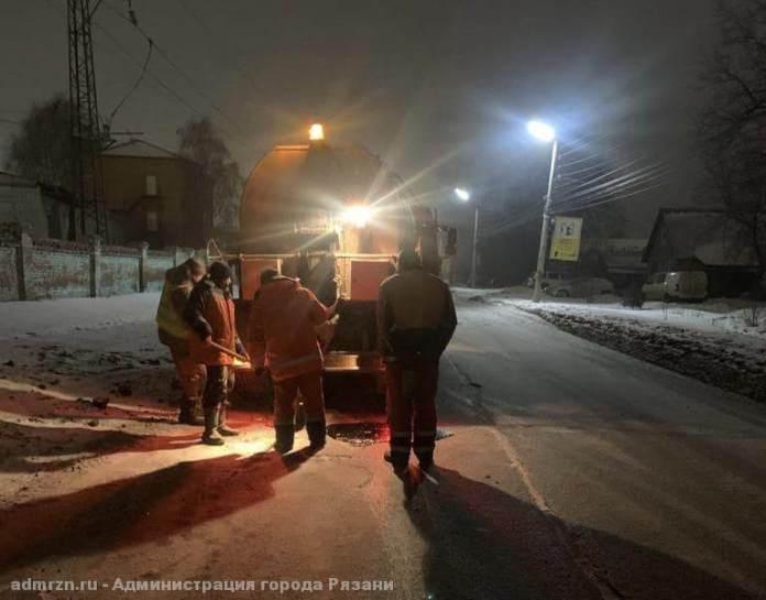 В Рязани заделали выбоины на Михайловском шоссе