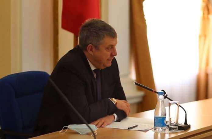 Опубликовано видео «публичной порки» брянских чиновников
