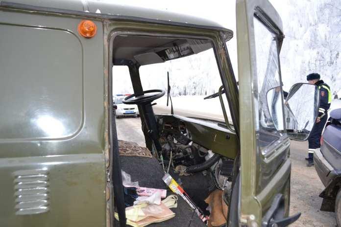 Четыре человека пострадали и один погиб в массовой аварии в Старожиловском районе