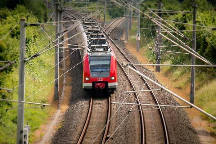 В Липецкой области школьница погибла под колесами поезда