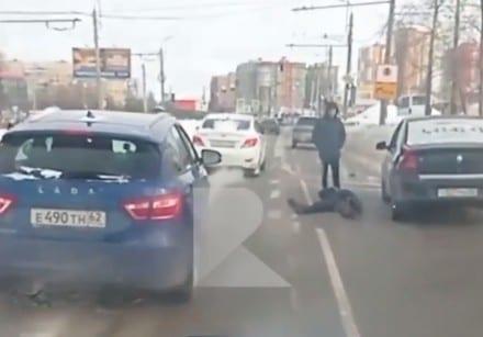 Таксист рассказал свою версию наезда на пешехода на улице Зубковой
