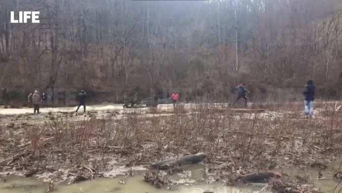 Три члена семьи на УАЗе упали с переправы в реку и утонули в Краснодарском крае