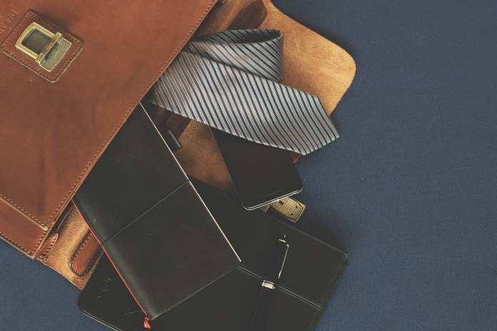 В Рязани 18-летний рецидивист украл сумку у местного предпринимателя