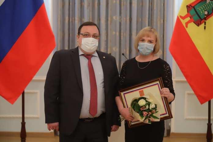 В Рязани наградили медработников за вклад в борьбу с COVID-19