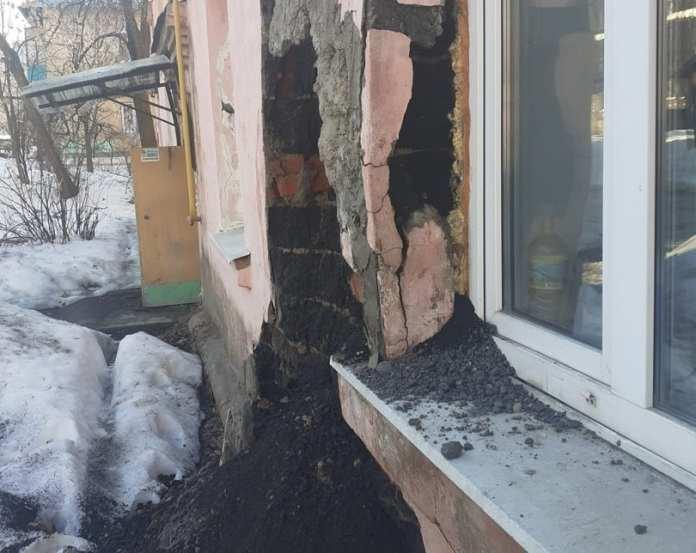 Жилой дом на Ленинского Комсомола продолжает разрушаться