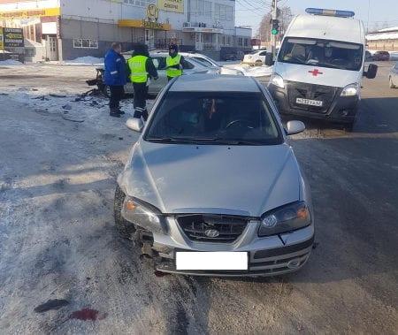 """Один человек пострадал в аварии """"Хендай"""" и """"Фольксваген"""" на проезде Яблочкова в Рязани"""
