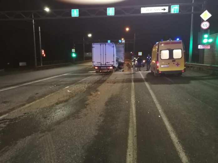 На трассе М-5 в Рязани столкнулись два грузовика
