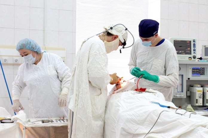 В больнице имени Семашко помогли рязанцу с «выпиранием» глаза