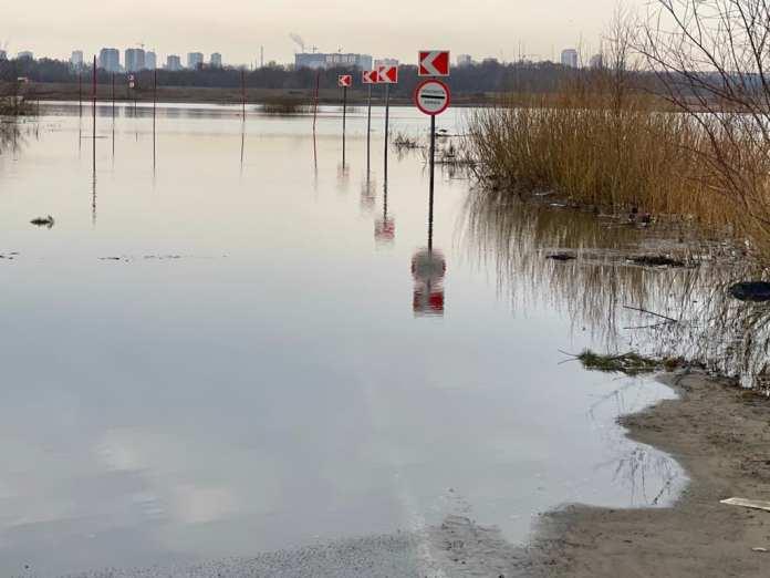 Под Рязанью затопило дорогу на Заокское