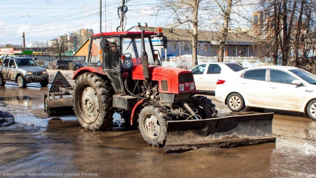 Рязанские коммунальщики круглосуточно убирают город