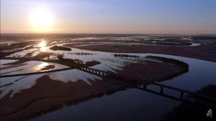 Разлив в Рязани сняли с высоты на рассвете