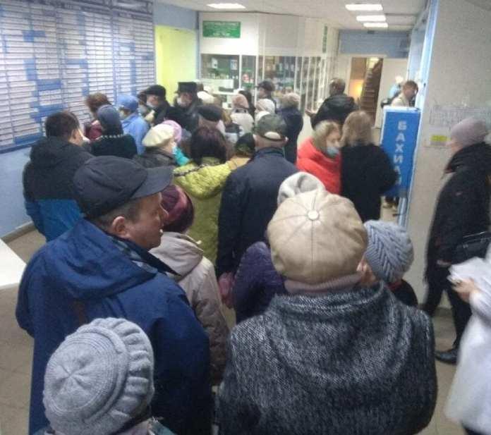 Рязанцы вновь пожаловались на большую очередь за талонам в больнице №11