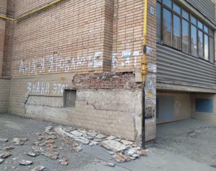 В Рязани разваливается жилой дом