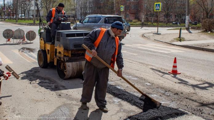 За сутки в Рязани отремонтировали более 700 кв. м дорожного полотна