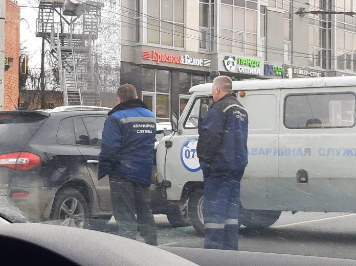 Из-за ДТП с участием автомобиля аварийных служб и иномарки в Рязани образовалась пробка