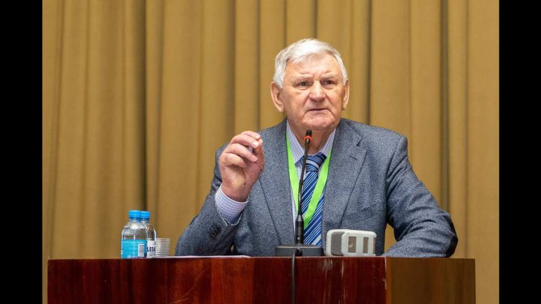 Президент наградил почётной грамотой преподавателя РГУ имени Есенина
