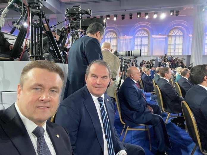 Рязанский губернатор опубликовал фото с послания Президента