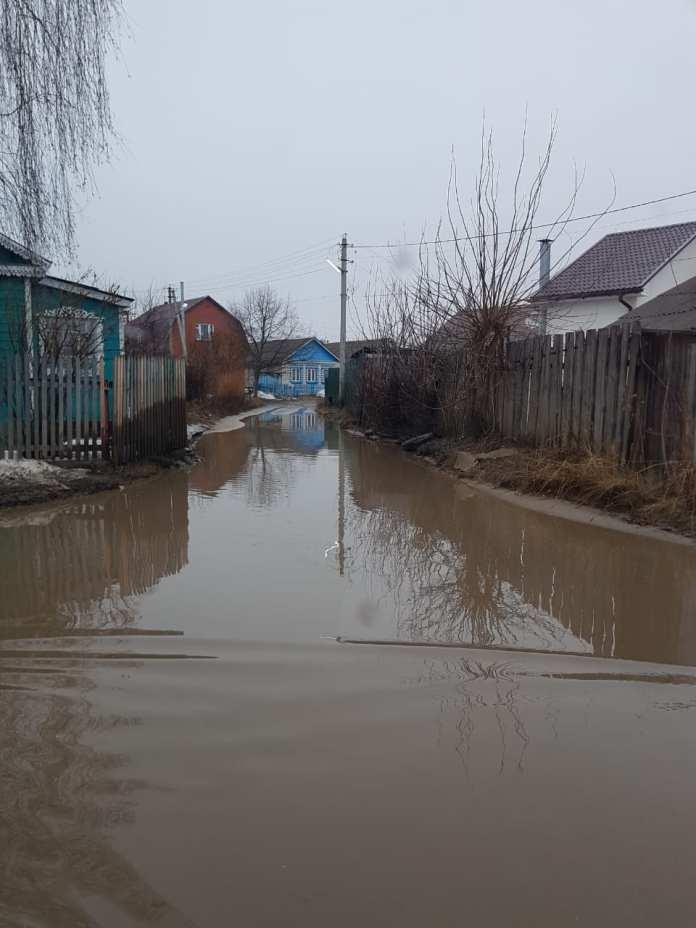 Жители одного из районов Рязани попали в дорожный плен