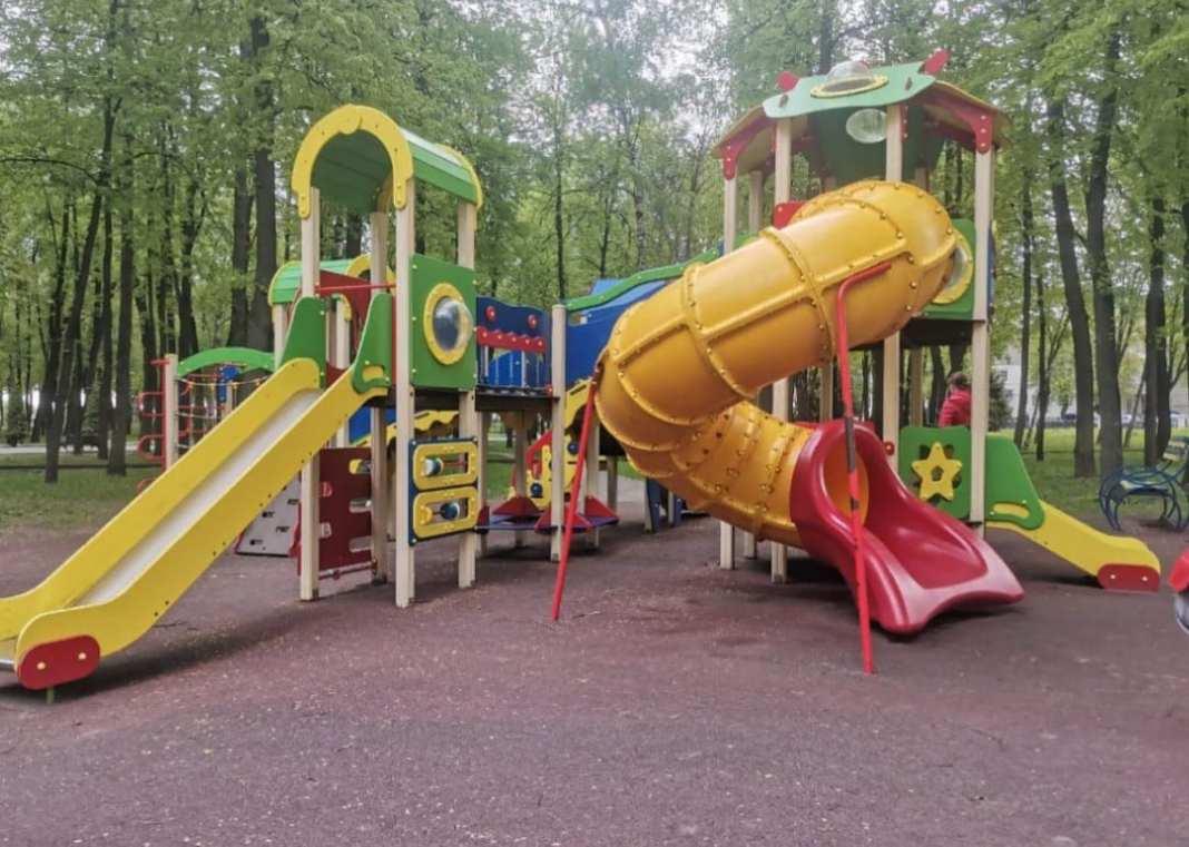Прокуратура выявила нарушения на детских площадках в центре Рязани