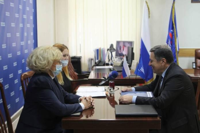 Андрей Макаров подал документы для участия в предварительном голосовании