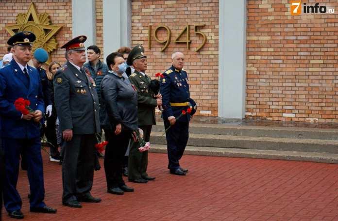 В День Победы рязанцы возложили цветы на Скорбященском мемориале