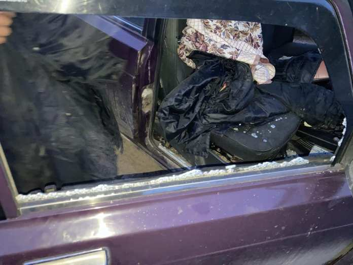 У школы в Рязани вскрыли машину