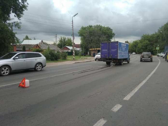 В ДТП с грузовиком на улице Ситниковской пострадал человек