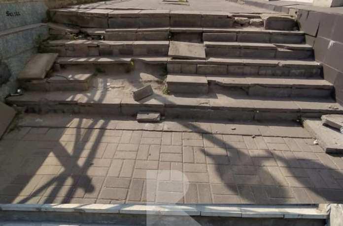 Рязанцы пожаловались на состояние лестницы у бывшего «Полсинаута»