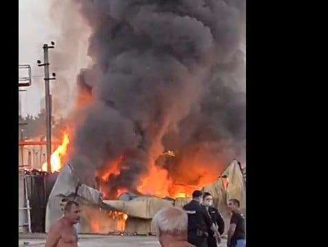 В Полянах загорелся склад лако-красочной продукции