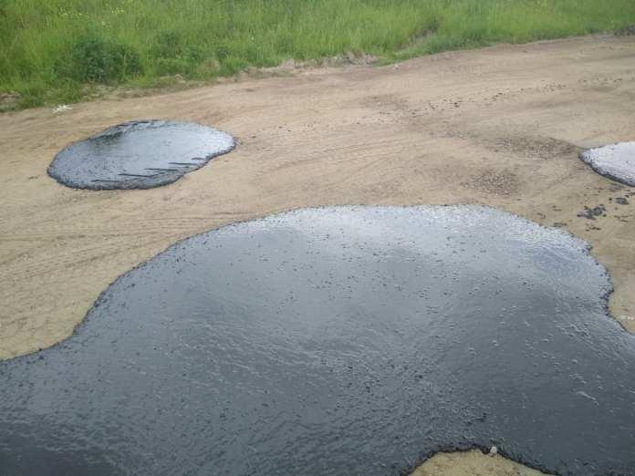 В Ярославской области отремонтировали дорогу шлепками асфальта