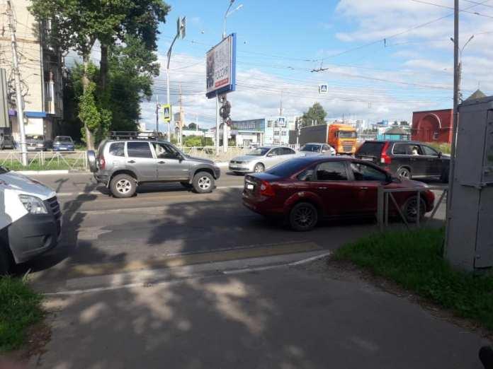 На улице Циолковского в Рязани Ford Focus сбил 43-летнего пешехода