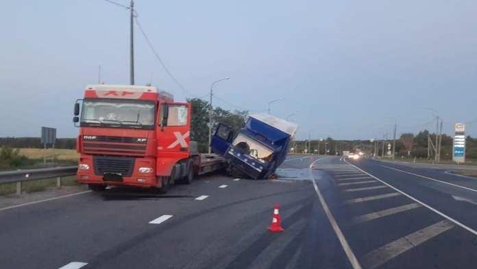 В Путятинском районе столкнулись два грузовика
