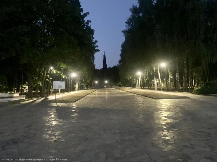 В Рязани готовятся включить уличное освещение в сквере Братства по оружию