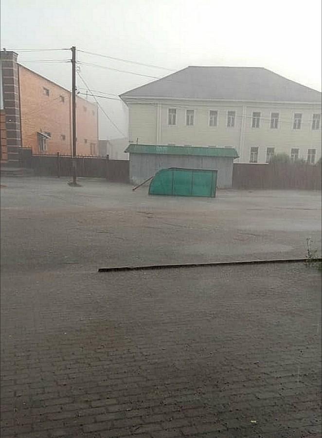 В Кадоме прошёл ураган с дождём