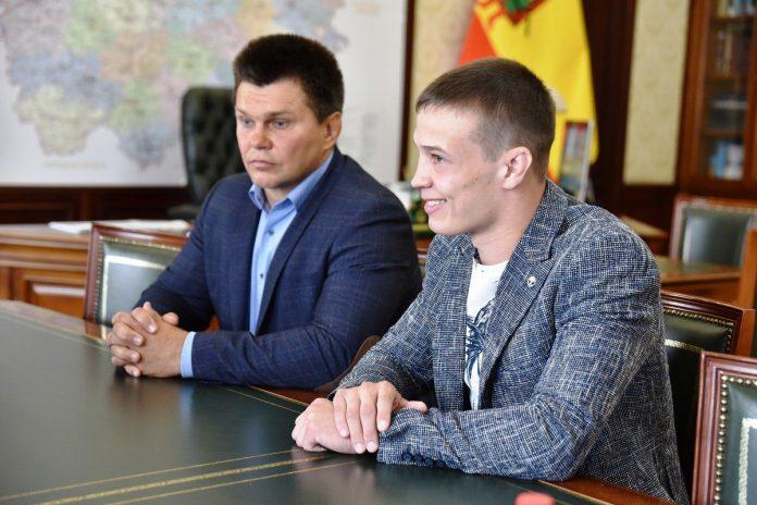 Николай Любимов встретился с чемпионом мира по греко-римской борьбе