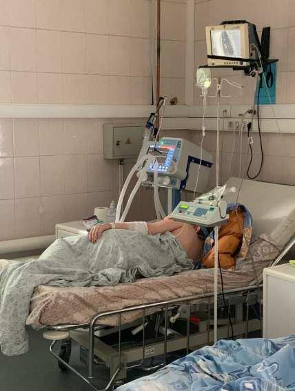 Главврач рязанской больницы опубликовал фото из реанимации красной зоны