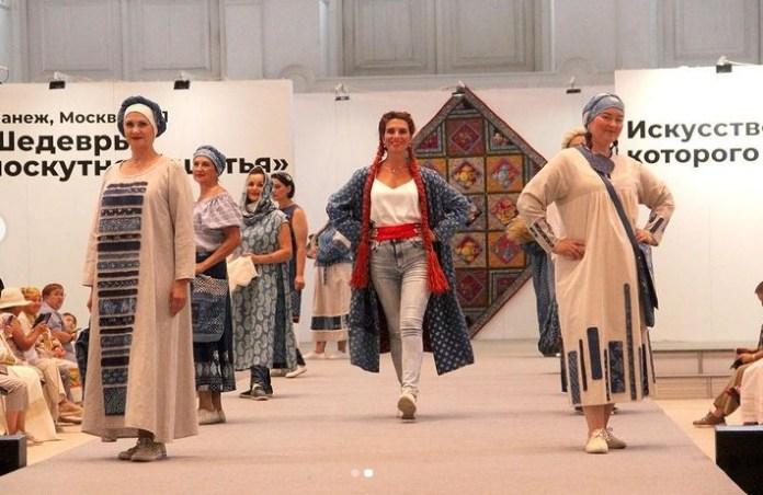 «Есенинское лоскутное одеяло», сшитое рязанскими мастерицами, отправится в кругосветное путешествие