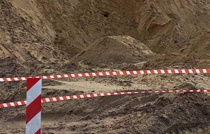 Мальчик, погибший под грудой песка в Михайловском районе, — единственный внук генерала ФСБ