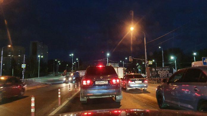 На оживлённом перекрёстке в Рязани не работает светофор