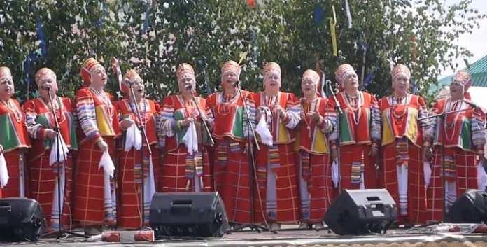Премию имени Аверкина получит ансамбль «Рябинушка»
