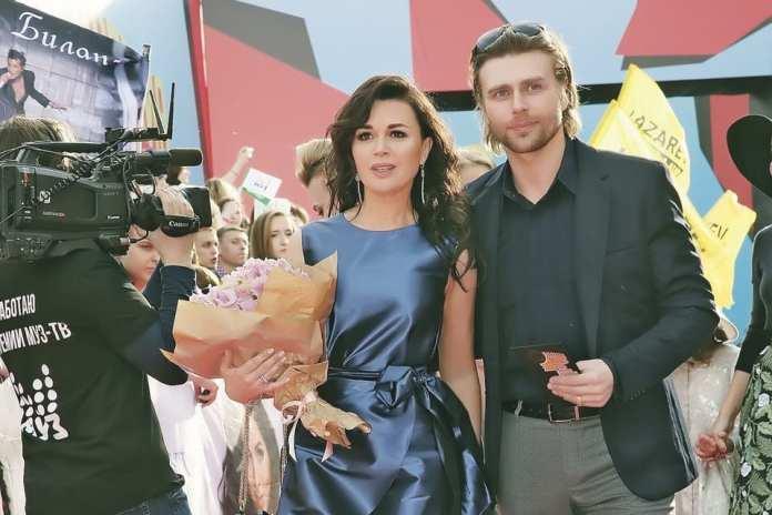 Близкий к семье Анастасии Заворотнюк рассказал о состоянии актрисы