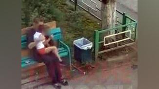 В Чебоксарах мужчина приставал к пятилетней девочке на скамейке возле ее дома