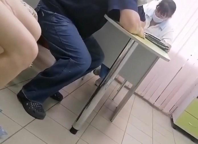 """В рязанской ОДКБ засняли хирурга с """"невнятной речью и заплетавшимся языком"""""""
