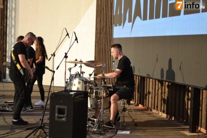 Рязанские полицейские исполнили для жителей популярные песни