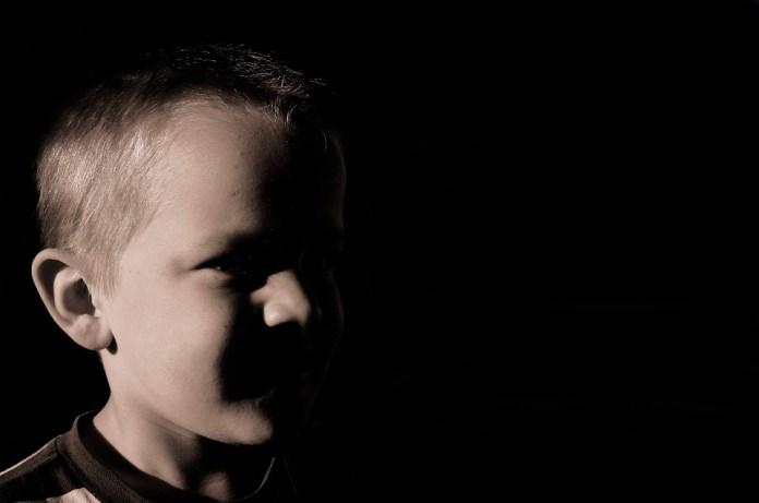 Похитивший 10-летнего мальчика в Ивановской области мужчина скрылся от полиции