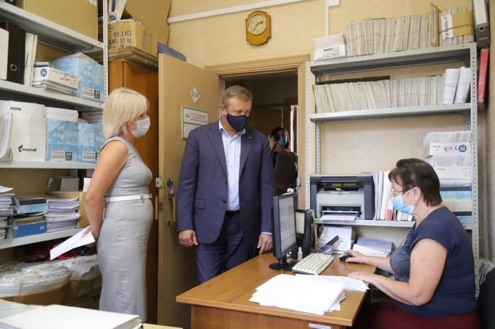 Николай Любимов пообещал помочь отделу соцзащиты по Советскому и Рязанскому районам
